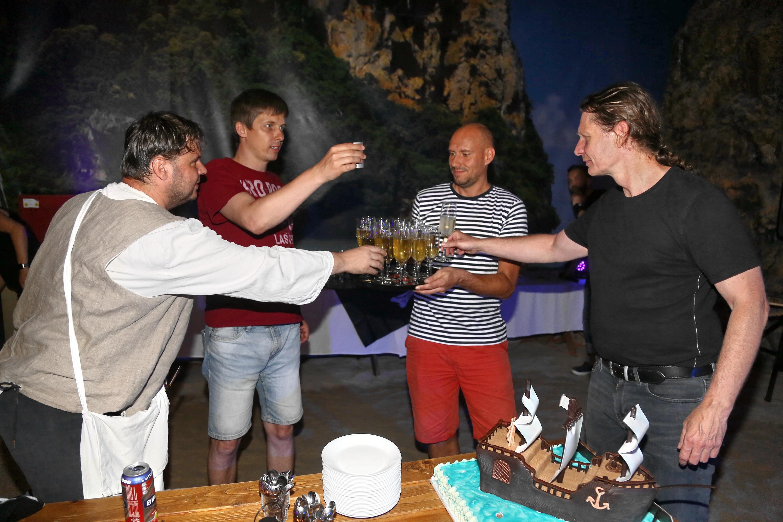 Slavnostní přípitek Setos v TEPfactoru